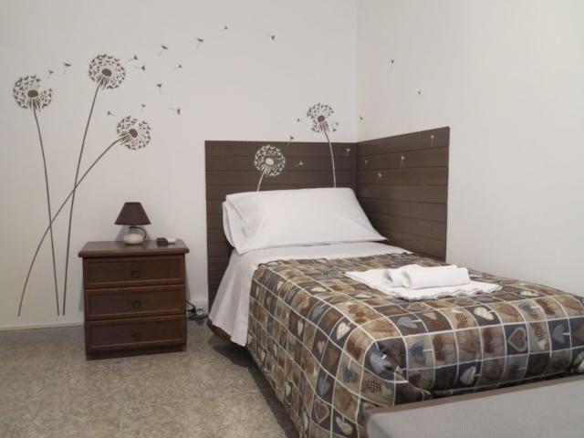 stanza Maria camera singola doppia con bagno ingresso indipendente